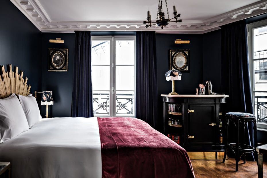 chambre superieure 1600x1067 The Messy Nessy Chic Paris Hotel