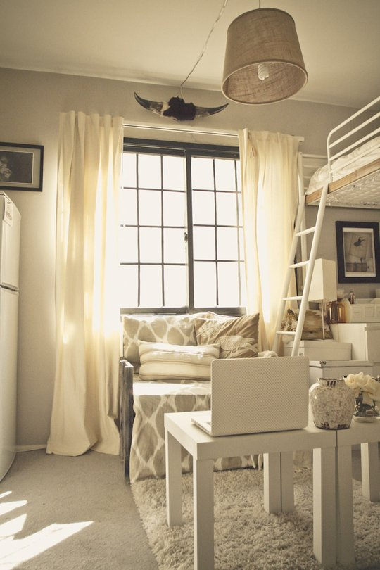 One Room Apartment Design Ideas Part - 50: Messy Nessy Chic