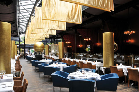 Paris 10 trendy restaurants better than celebrity fly for Top of the terrace restaurant