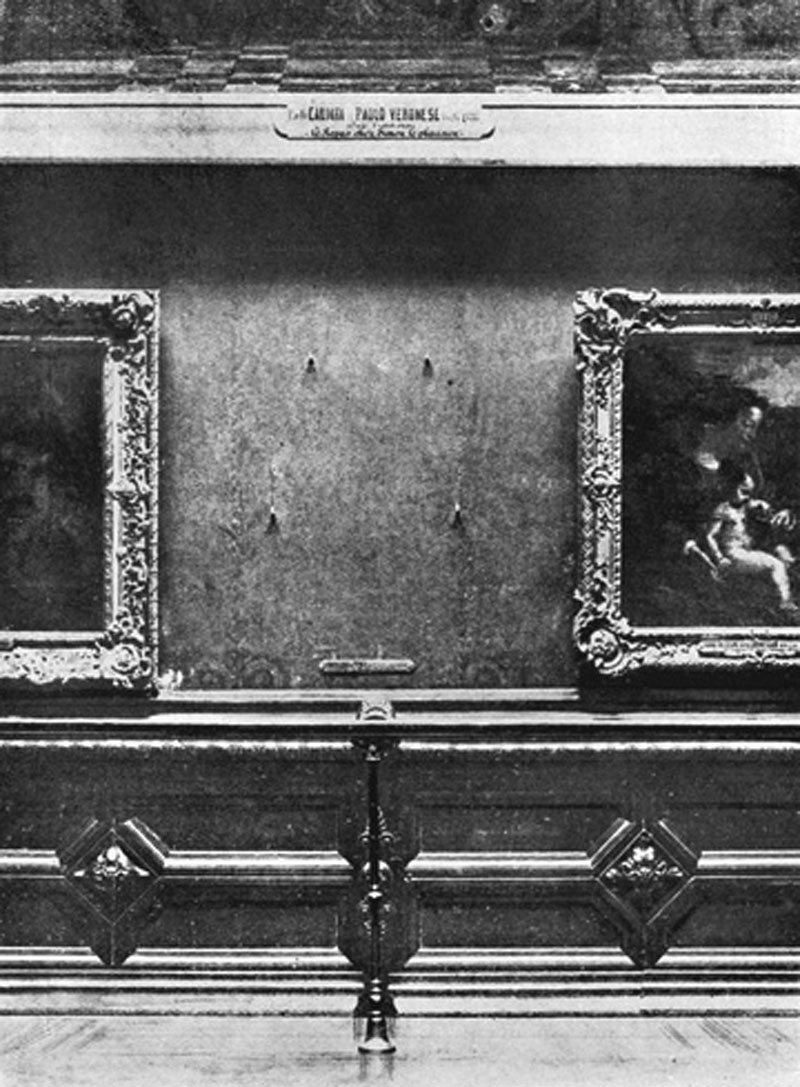 Paris, France: MONA LISA THEFT, 1911. The gap on the wall of the Carre Gallery of the Louvre Museum, Paris, where the Mona Lisa was exhibited before it was stolen 1911.  ©Mary Evans Picture Library / The Image Works