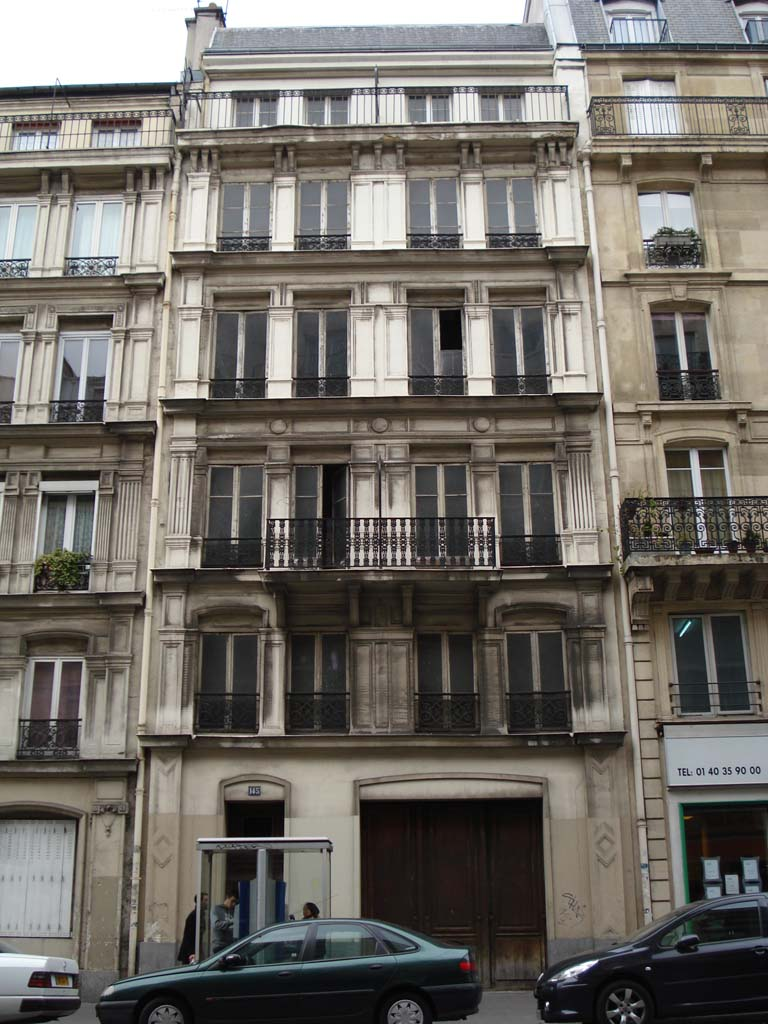 what is the 10th arrondissement like in paris