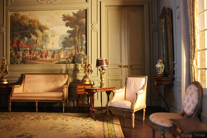 The magnificent miniatures for Salon louis 16