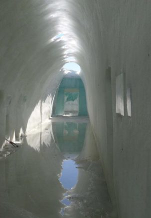 meltingicehotel3