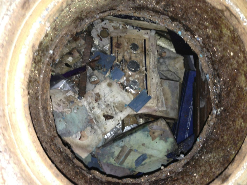 Couple Finds Safe Under Kitchen, Young Couple Find Secret Safe Under  Kitchen Floor