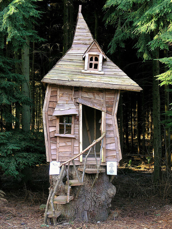 20 wendy houses for the peter pan in you for Small tree house