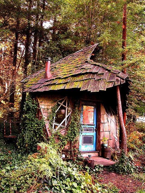 Underground Homes Designs further 10 Cottage Homes With Curb Appeal likewise 8864a48fb82abb51 Small Lakefront Cottage Plans Cottage Home Design Plans together with Now Thats Real Millionaire Play Pad The Luxury Tree Houses Sell 250 000 moreover 3. on small whimsical house plans