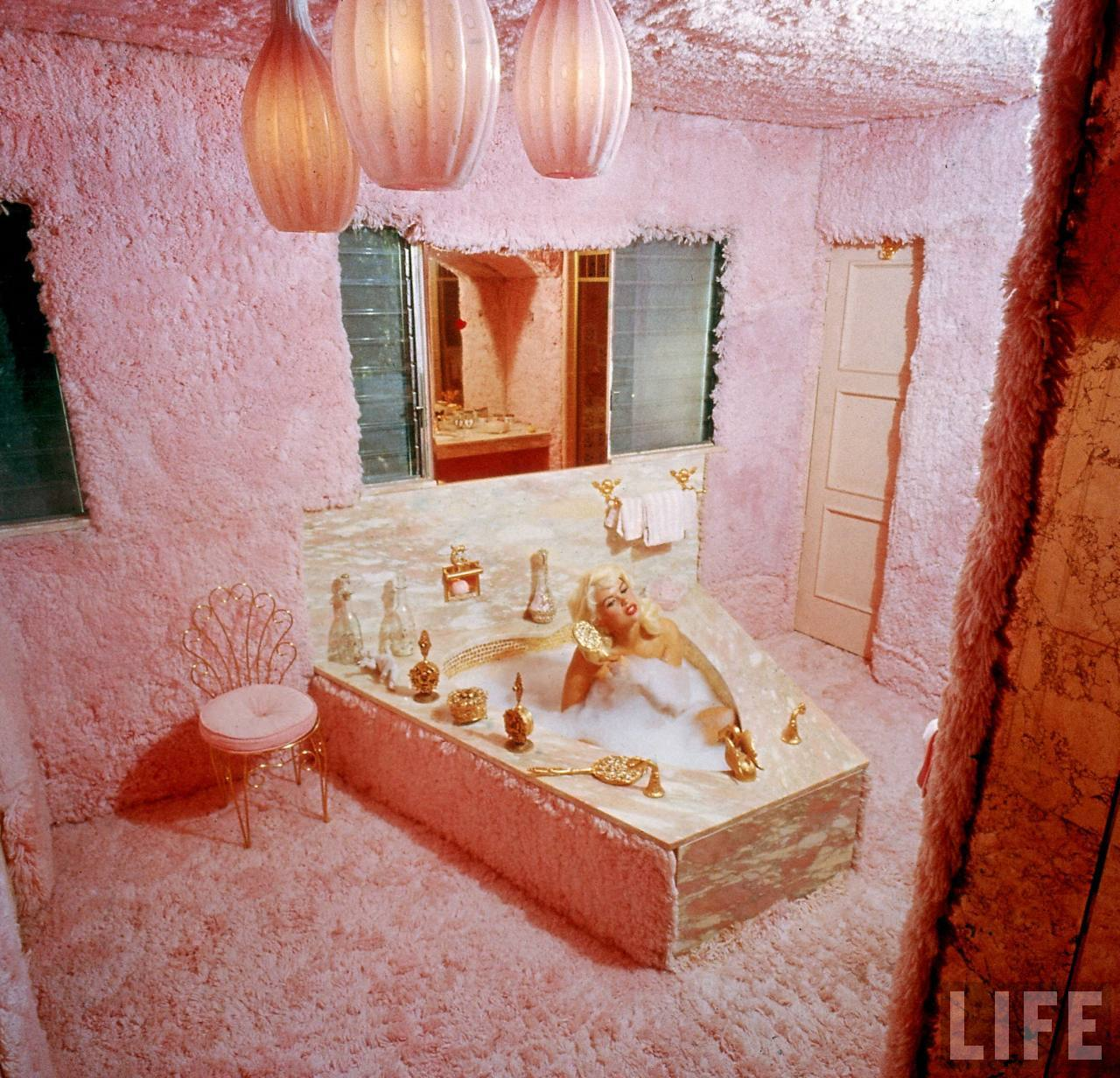 Jayne Mansfield Pink Palace Entrancing With Jayne Mansfield's Pink Bathroom Photo
