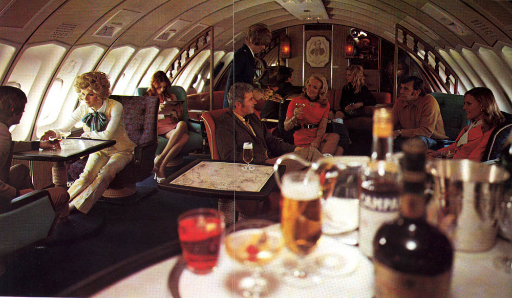 Let's Reminisce Over Airplanes That Had Piano Bars, Cocktail Lounges, Pubs, and Restaurants