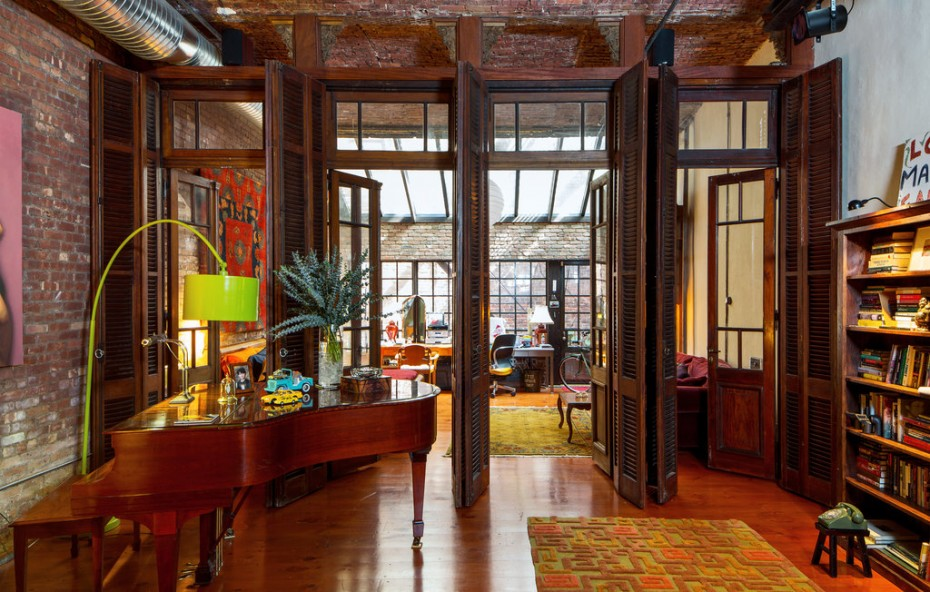 5 vintage design ideas to steal from this nostalgic nyc for Idee deco loft new yorkais