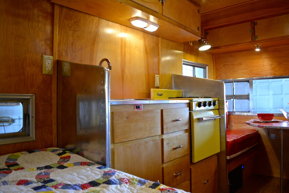 10 vintage trailers up for sale just in time for a summer road trip - Ft achi modular home diy for sale only ...