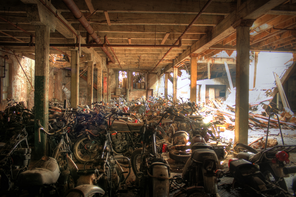 motorcyclegraveyard2a