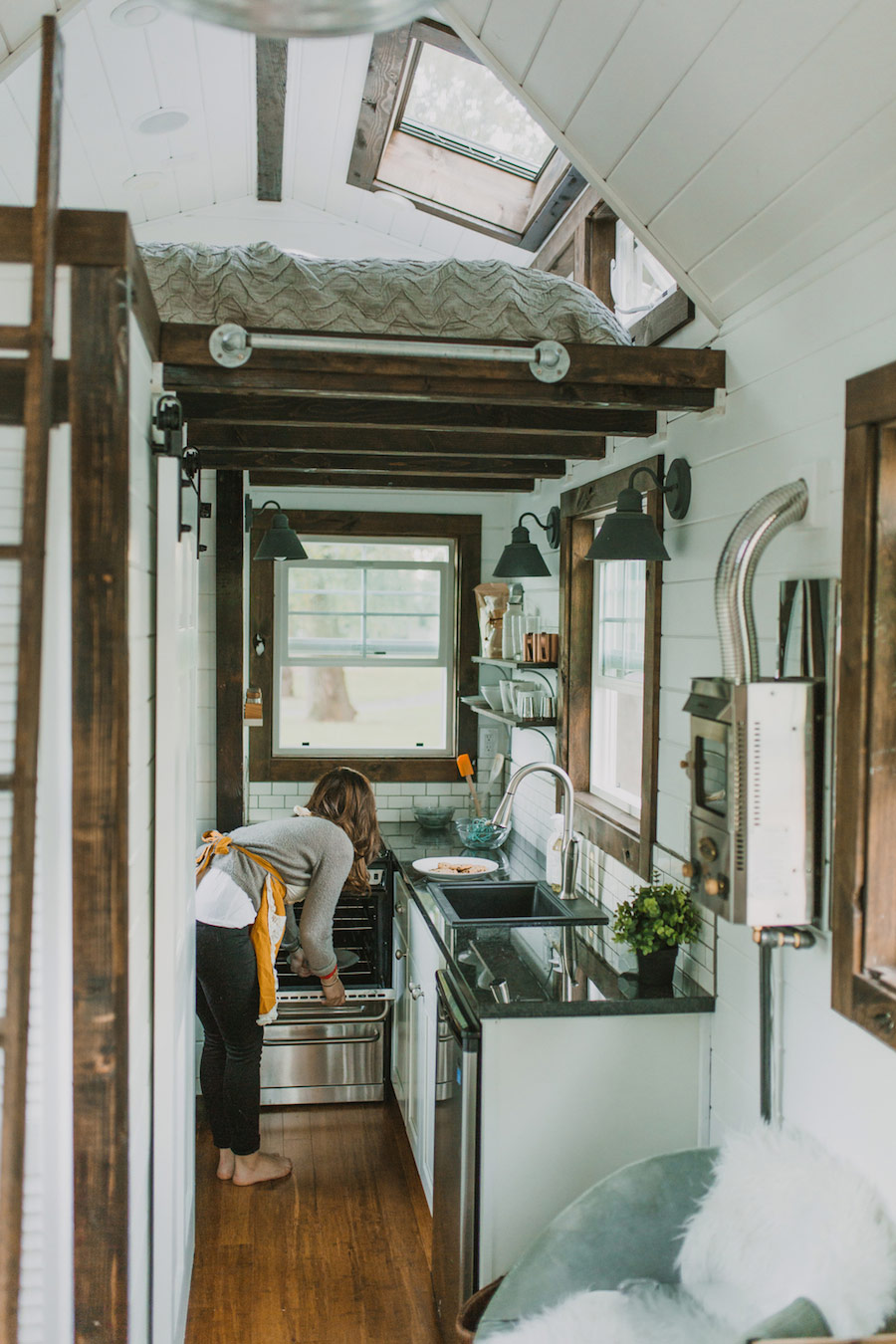 Stop Everything It 39 S The Tiniest Coziest Home On Wheels