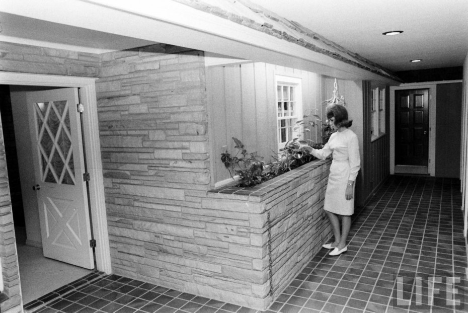 Take A Tour Of A 1964 Underground Fallout Home