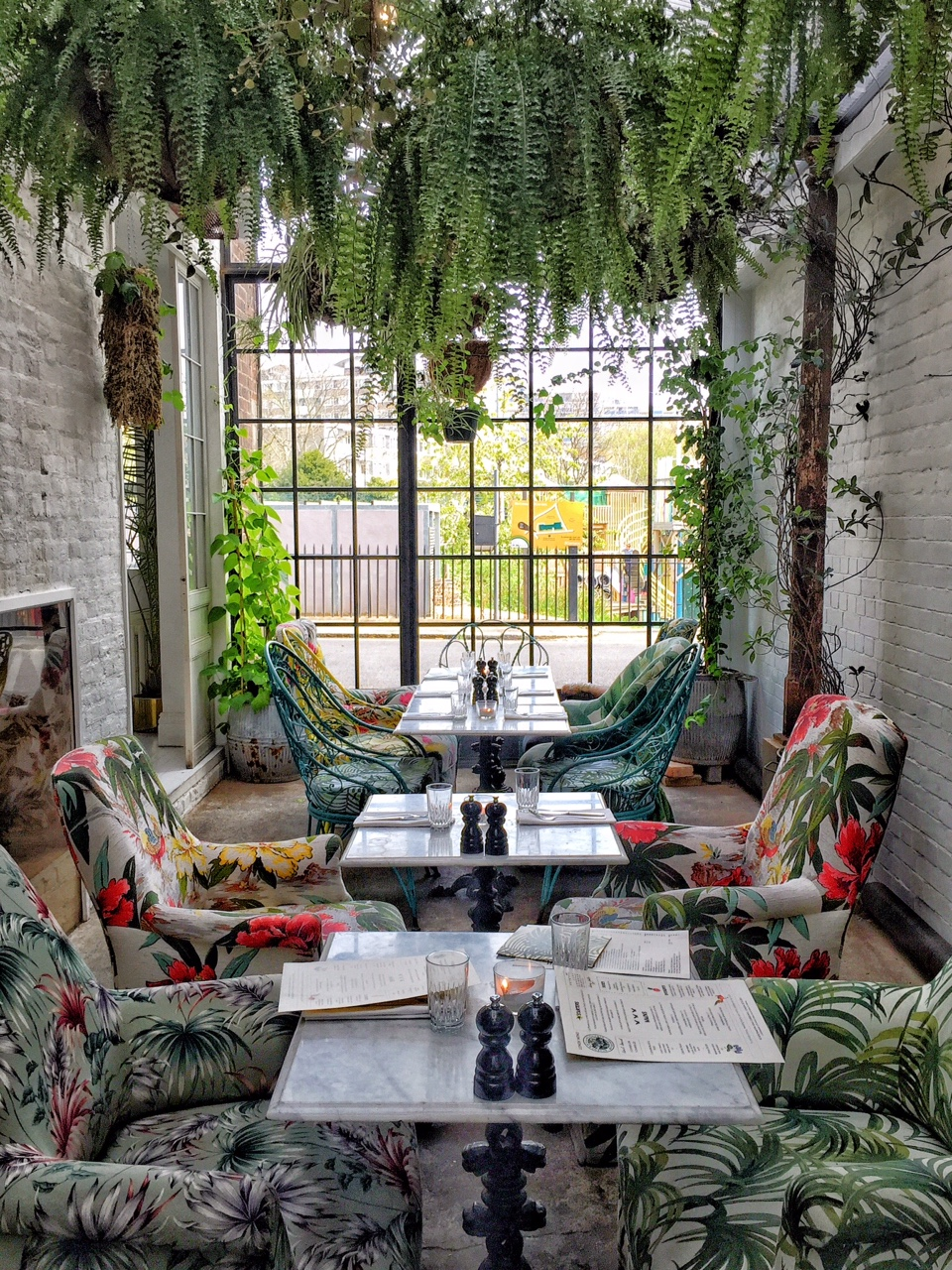 Greenhouse lunching offbeat hunting in east london for Garden design east london