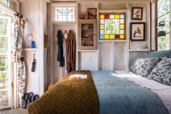A 1970s Hippie Commune Turned Airbnb Escape