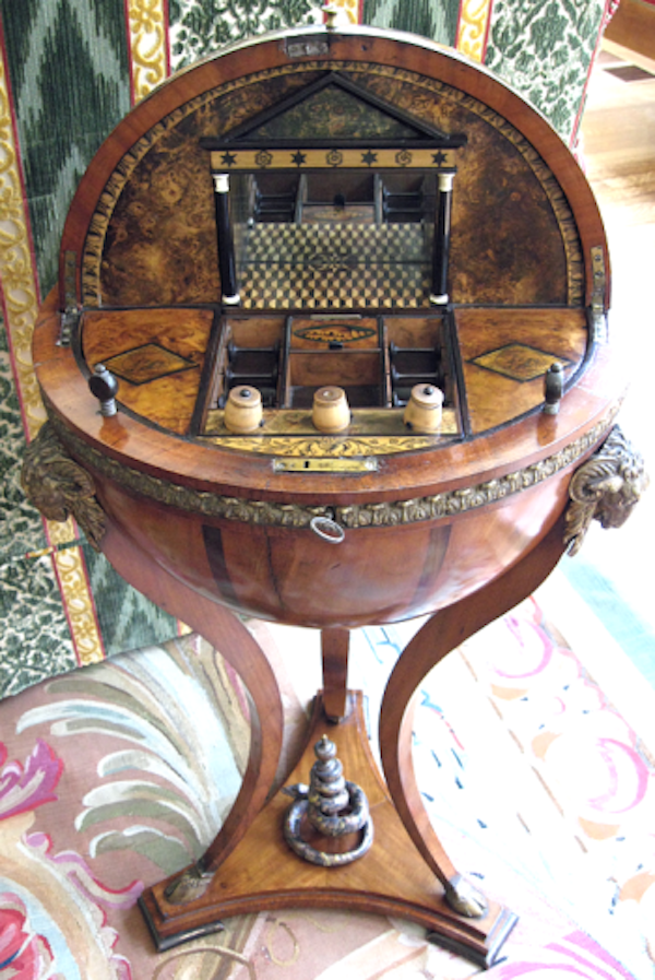 antique-sewing-table (1)