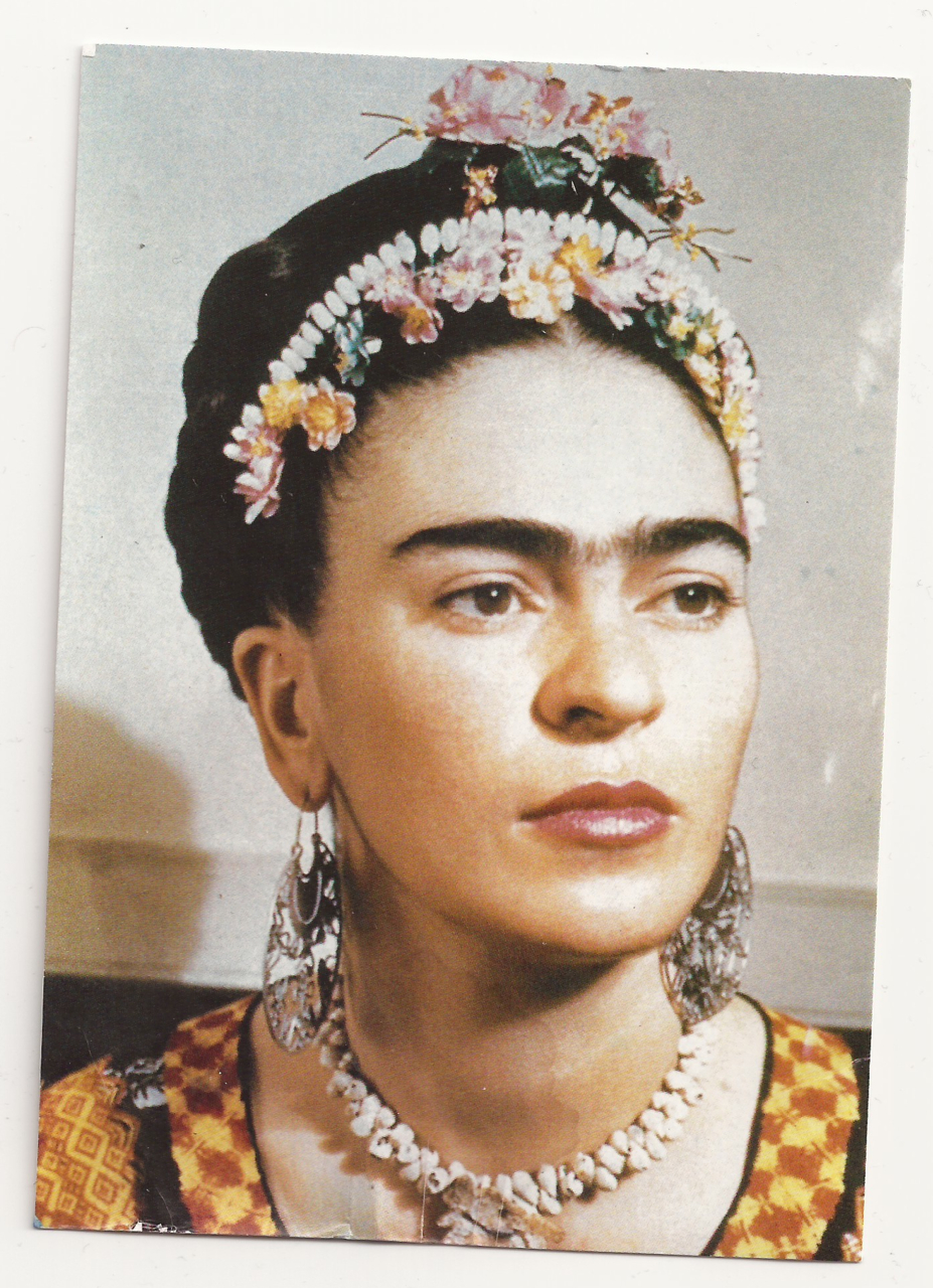 15 fabulous frida kahlo moments in rarely seen photographs. Black Bedroom Furniture Sets. Home Design Ideas