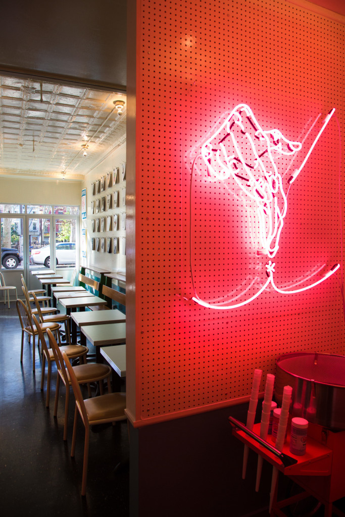 672.Cafe-Henrie-NYC-meltingbutter.com-Cafe-Hotspot3-683x1024