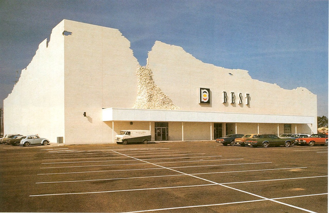 Lost facades of the 1970s anti walmart for Architecture 1970
