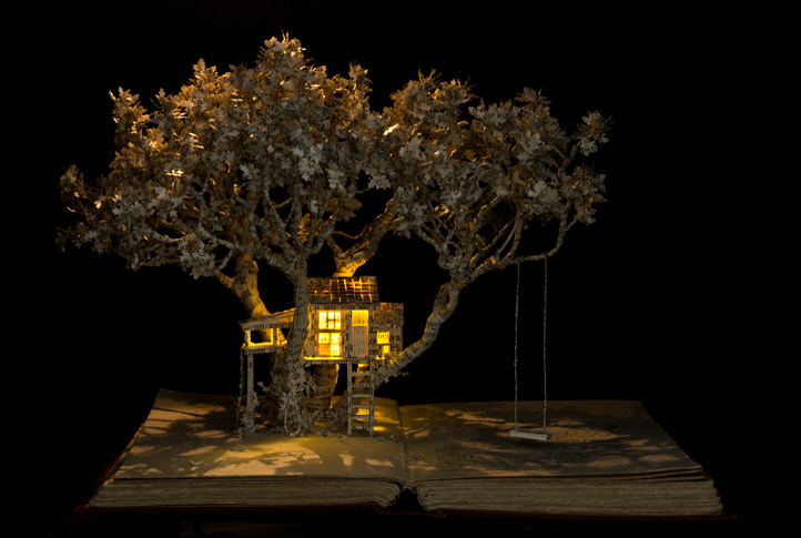 house-in-the-oak-tree