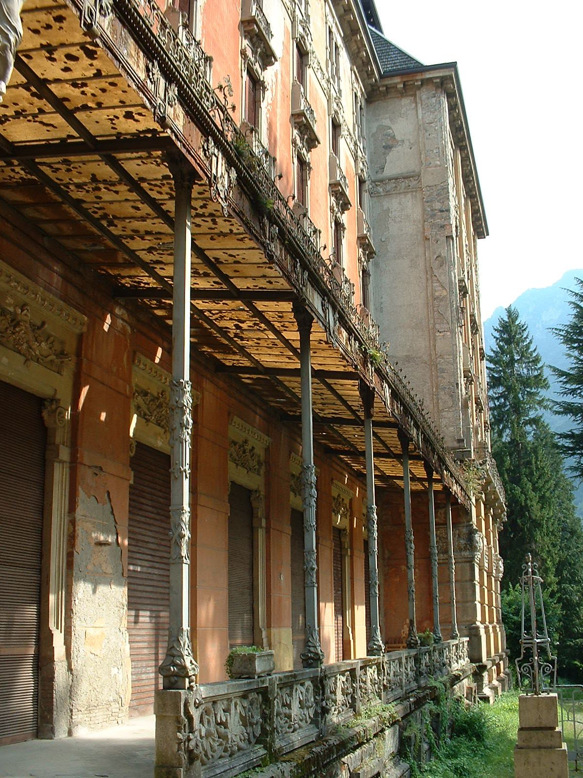 old-grand-hotel-in-san-pellegrino
