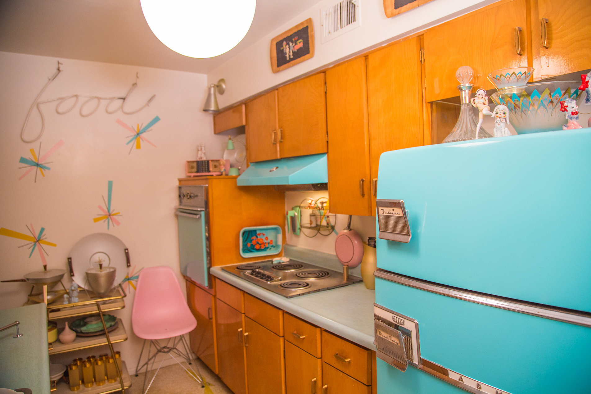 One Guy's Quest to Save the 1960s Time Capsule Homes of ...