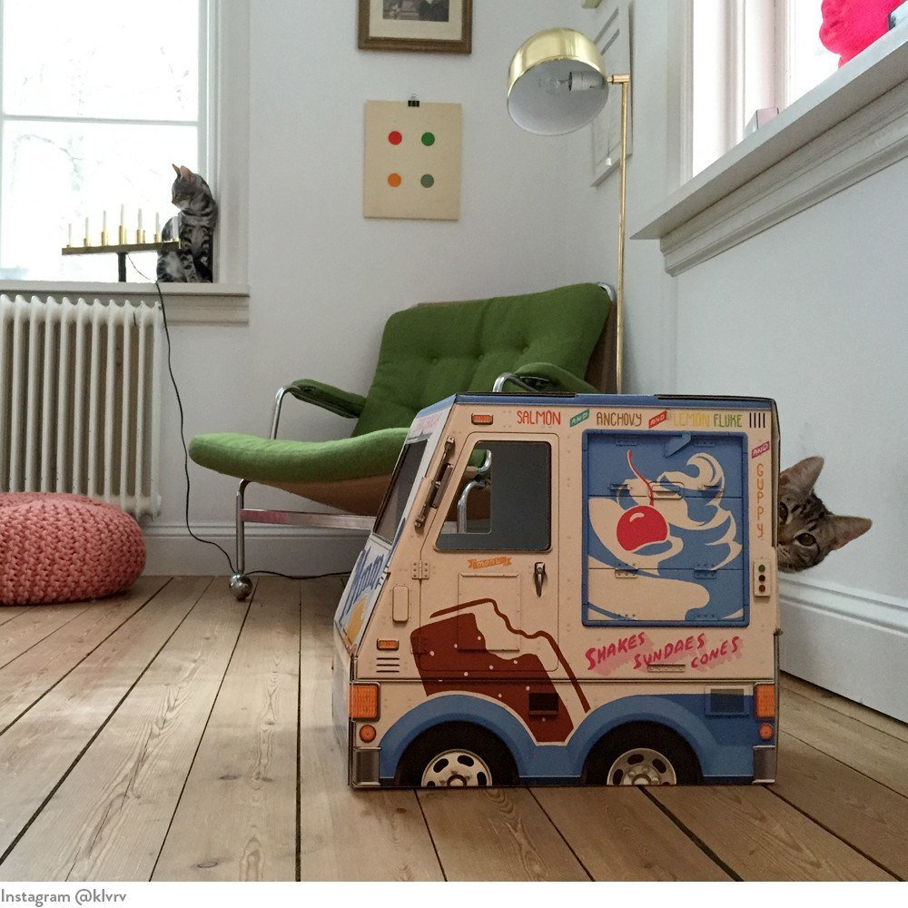 oto-cat-truck-oto-ice-cream-truck-for-cats-7_1024x1024