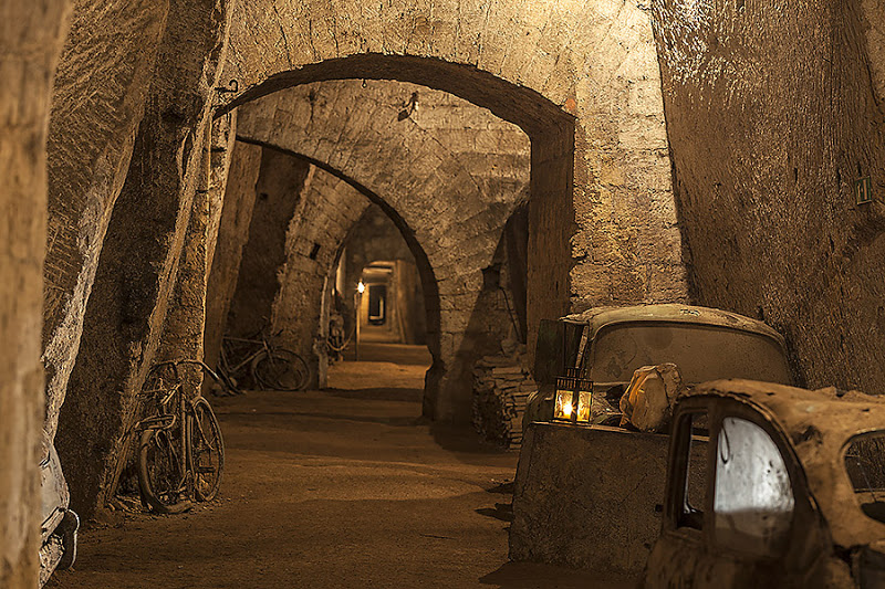Italy, Naples: Tunnel Borbonico, down under the surface