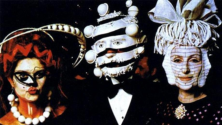 extraordinarily-odd-photographs-from-a-rothschild-party-in-1972