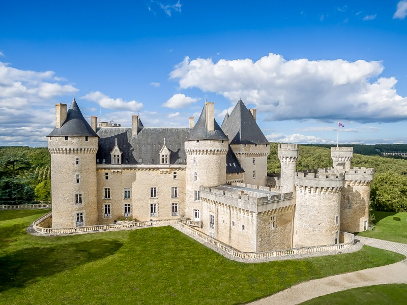 10 french hotels for sale to fuel your daydreams for Hotel pas cher en france