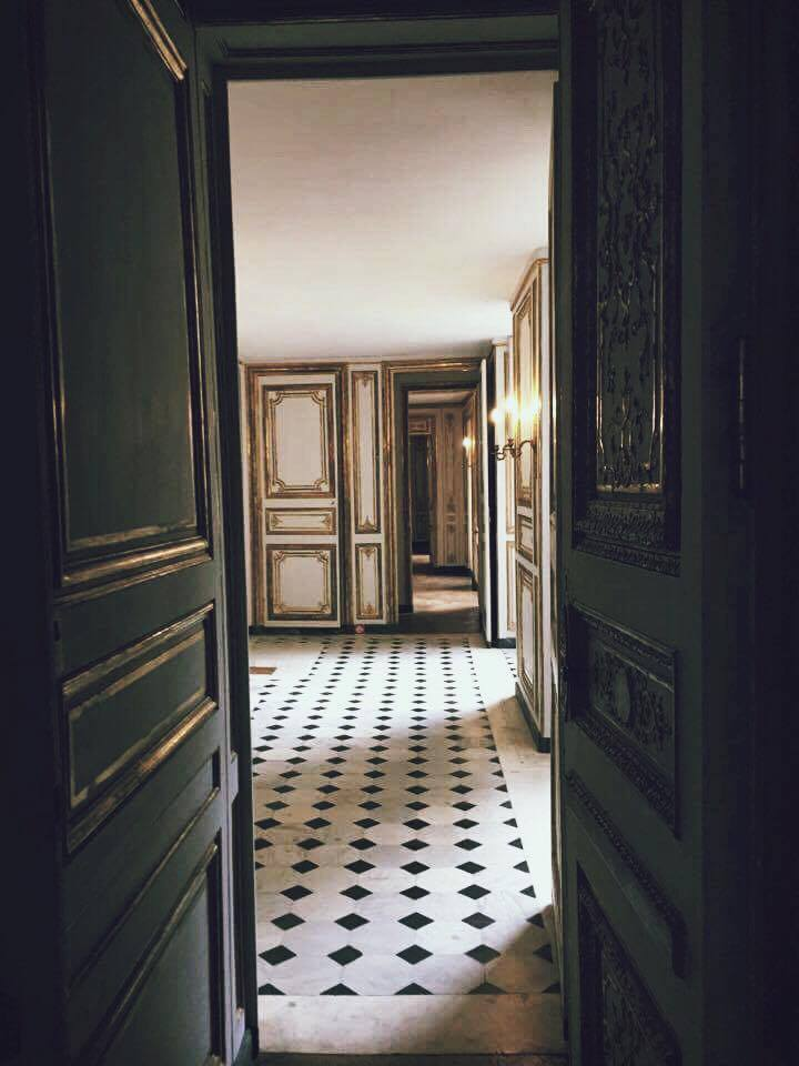 Descending to the ground floor you feel as though youu0027re entering a dungeon transported to a time period that never existed at Versailles u2013 the stark ... & Notes on Secret Versailles After Hours