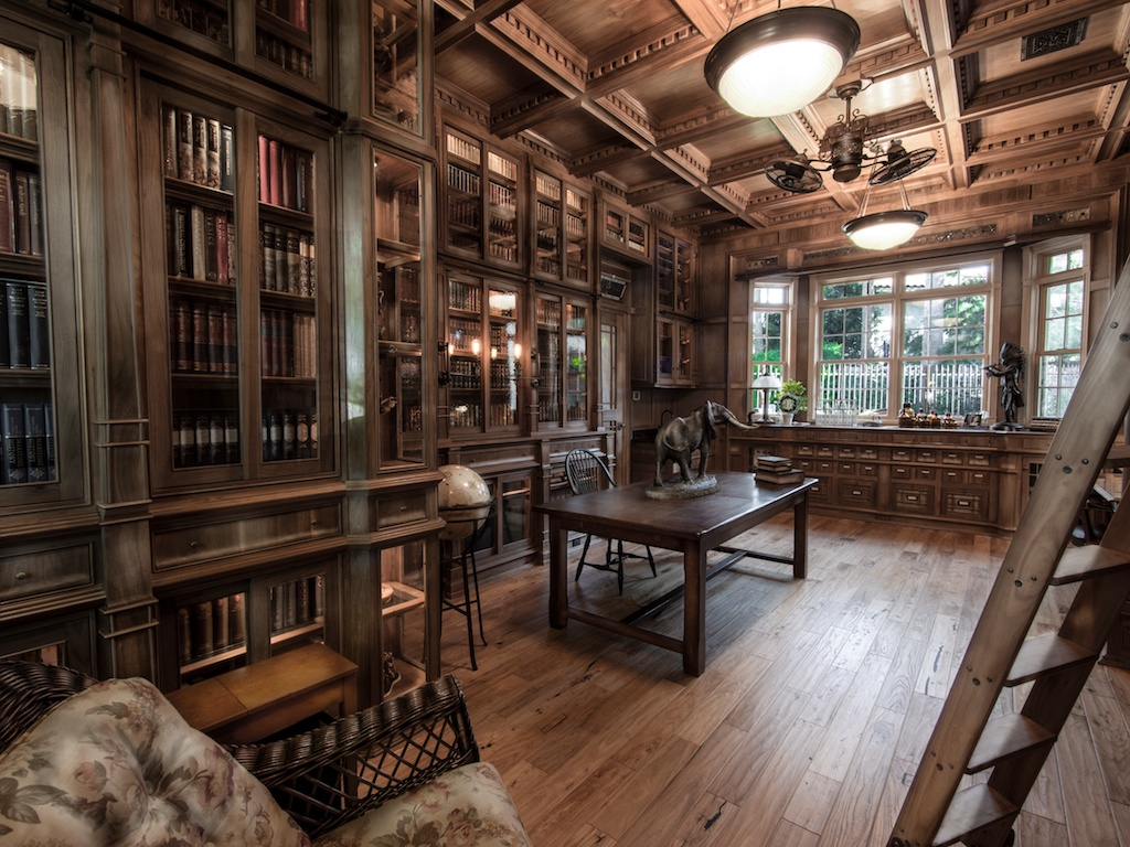 Stop Everything And Check Out This Homemade Bespoke Library