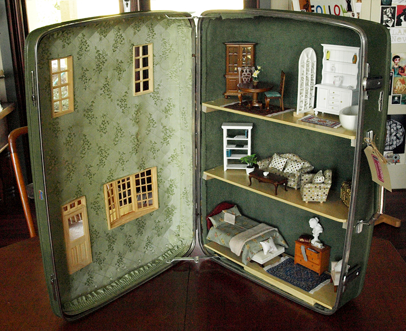 Stop Everything And Check Out These Vintage Suitcase