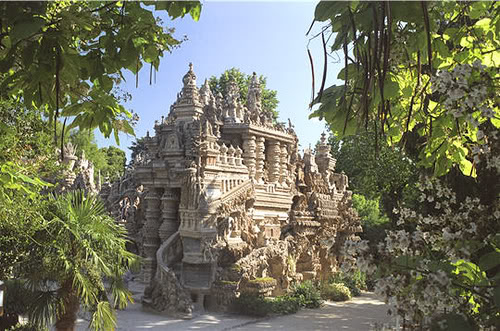 The Postman Who Built a Palace Made of Pebbles