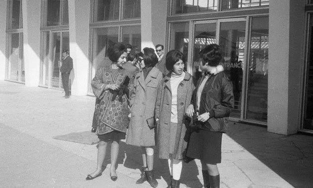 60s fashion girls