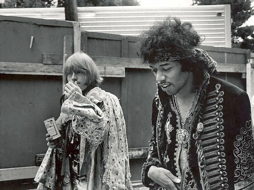 10 Jimi Hendrix Looks to Inspire an Epic Vintage Shopping ...