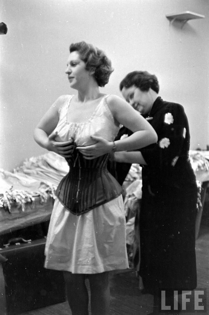 Car Wash Around Me >> Backstage at the Underwear Show, 1940s