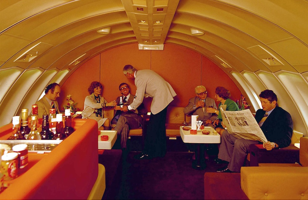 Let S Reminisce Over Airplanes That Had Piano Bars Cocktail Lounges Pubs And Restaurants