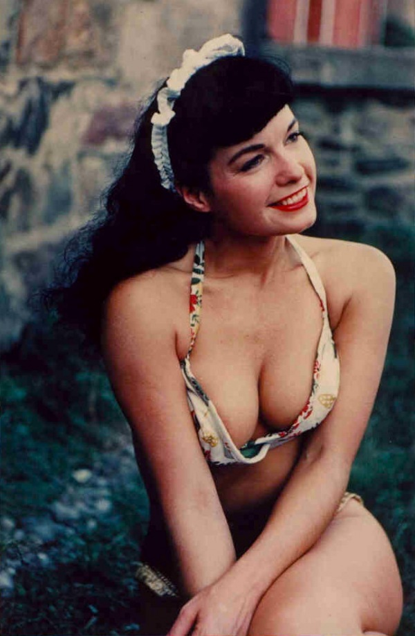 051-bettie-page-theredlist