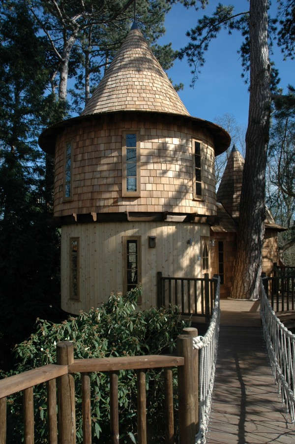Living-the-Highlife-Childrens-Tree-House-9-600x902