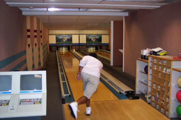 bowling-alley-2005