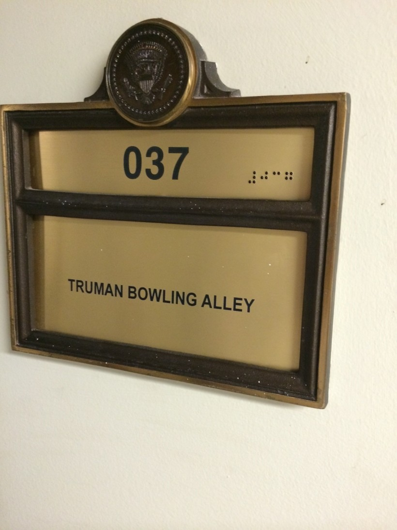 bowlingalley037