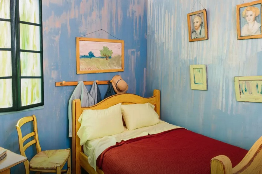 spend a night inside a van gogh painting