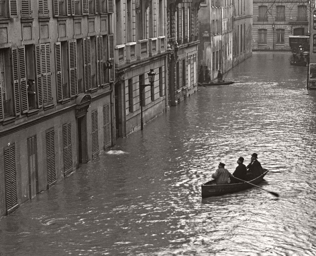 paris-underwater-great-flood-1910-05 (1)