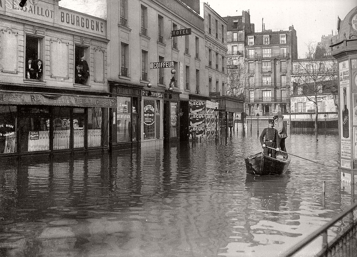 paris-underwater-great-flood-1910-17