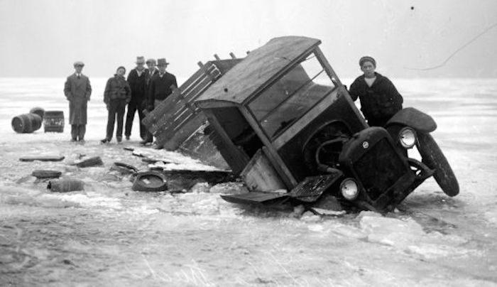 A-beer-laden-truck-breaks-through-the-ice-of-Lake-St-Clair-en-route-to-Detroit-from-Ontario