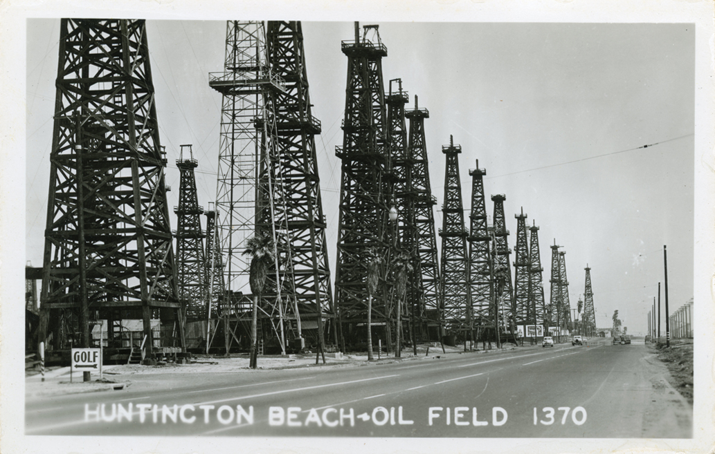 Huntington_Beach_Oil_Field_1370