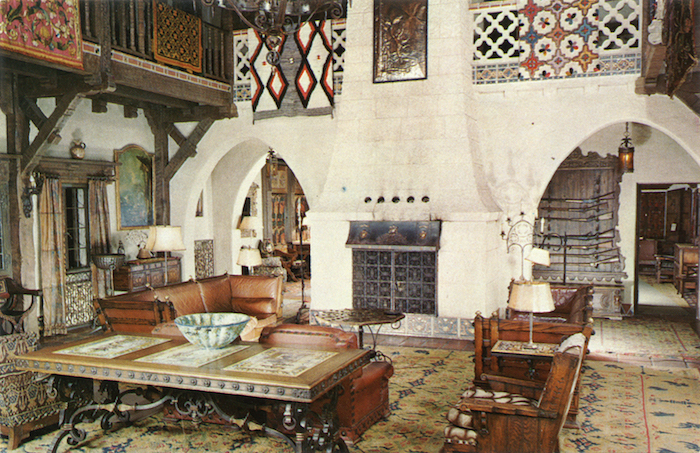 Living_Hall_Death_Valley_Scotty's_Castle_F4