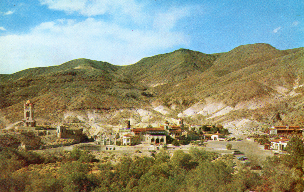 Scotty's_Castle_in_the_north_end_of_Death_Valley_AC161_2942