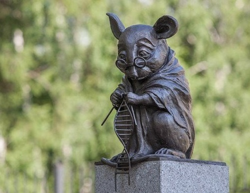 monument-to-the-laboratory-mice